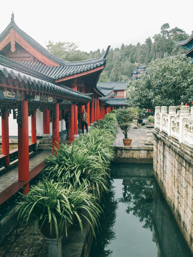 Mansión de Mufu en la ciudad vieja de Lijiang, Yunnan, China imagenes de archivo