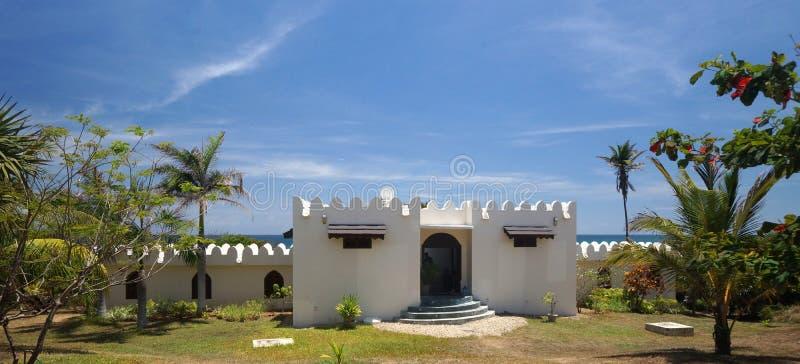 mansión del Árabe-estilo en Tanzania, África imagen de archivo