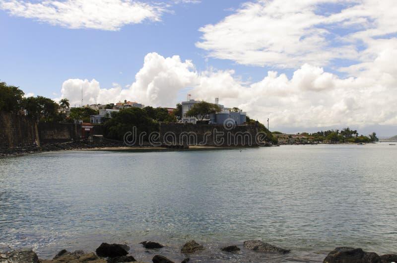 Mansión y viejo San Juan Gate de los gobernadores fotos de archivo