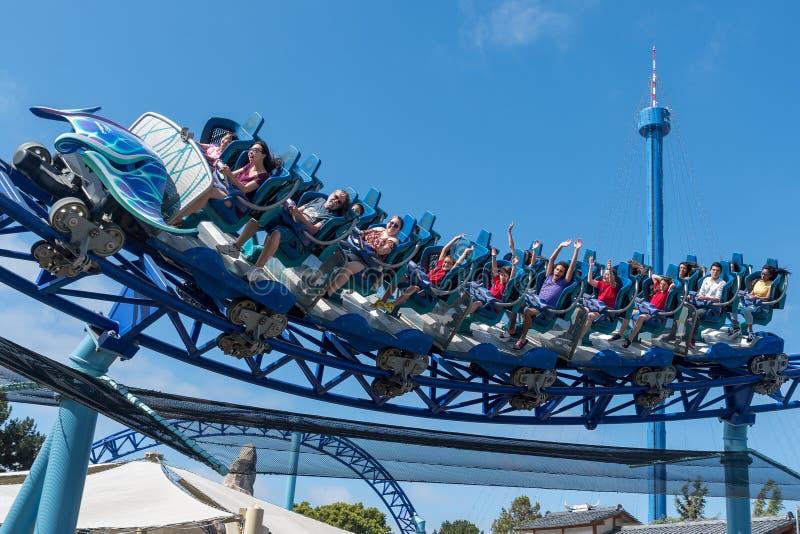 Manta Ray Roller Coaster Ride chez Seaworld San Diego la Californie du sud Etats-Unis image stock