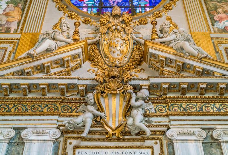 Manteau de pape Clement VIII Aldobrandini des bras dans la basilique de Santa Maria Maggiore à Rome, Italie photographie stock libre de droits