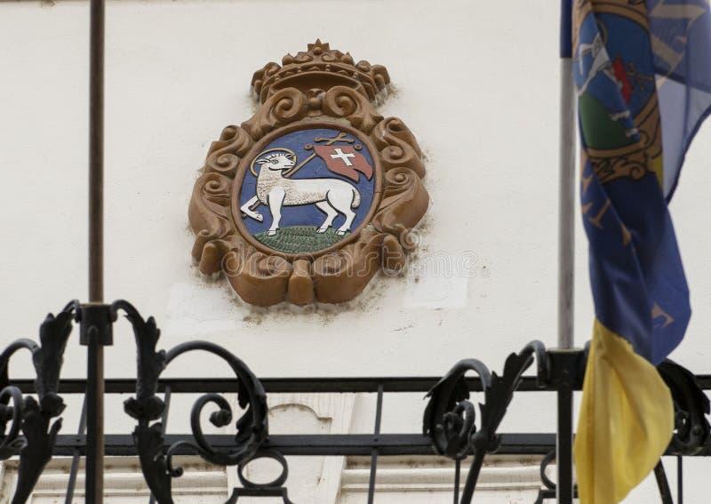 Manteau des bras avec l'agneau de Dieu, Szentendre, Hongrie image libre de droits