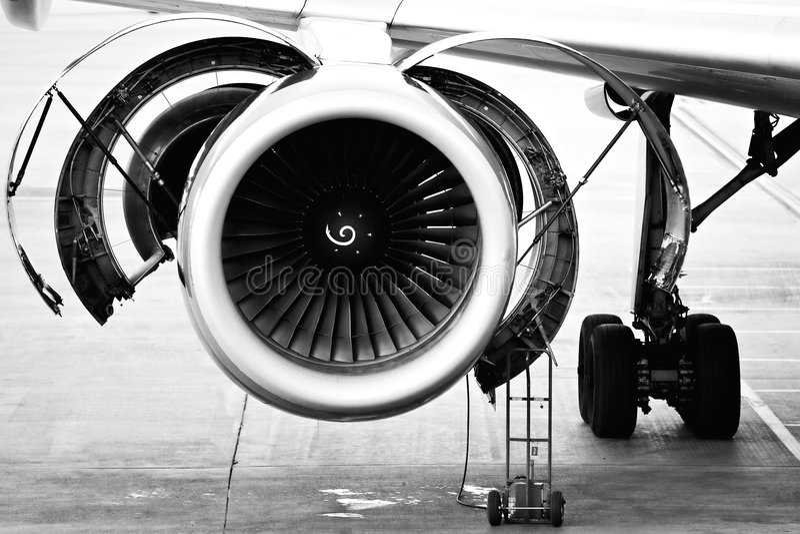 Mantenimiento del motor de aviones fotos de archivo