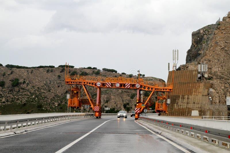 Mantenimiento del puente de Krk fotos de archivo