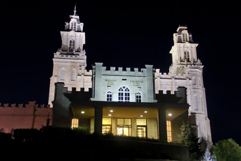 Manti Utah tempel på natten arkivbild