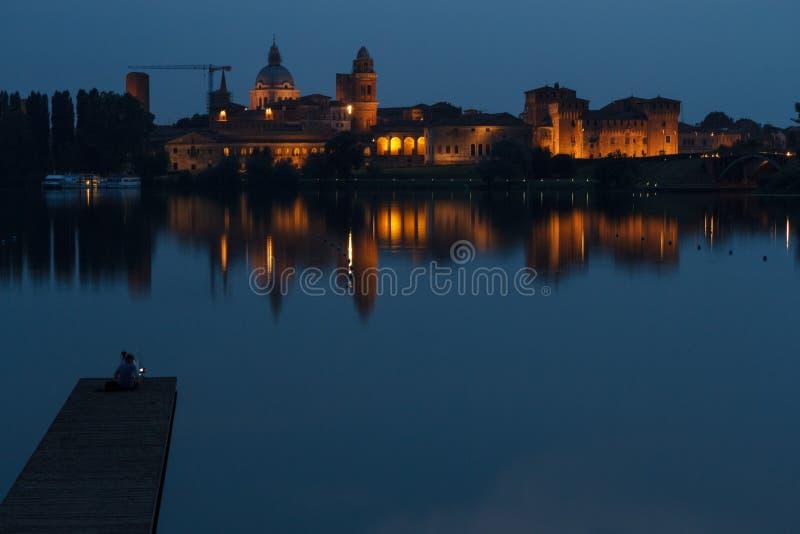 Mantova bij Nacht stock afbeeldingen