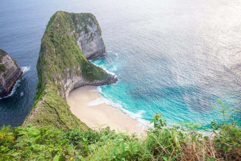 Manty zatoka lub Kelingking plaża na Nusa Penida wyspie, Bali, Indonezja fotografia stock