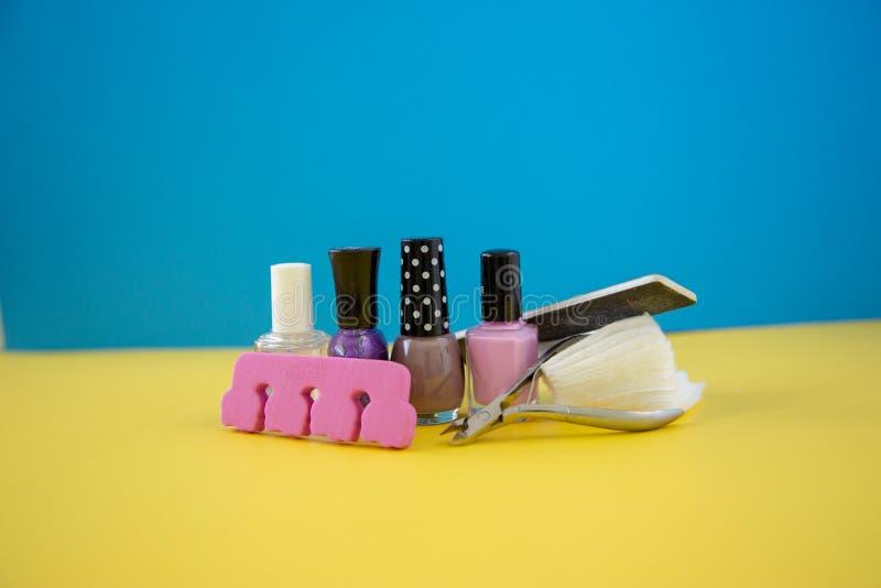 Manucure et pédicurie colorées photographie stock libre de droits