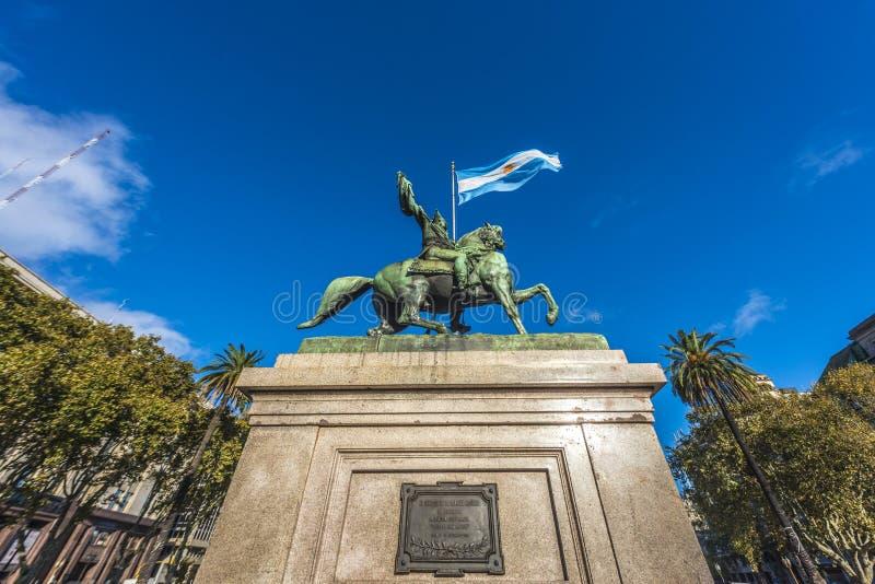 Manuel Belgrano Statue en Buenos Aires, la Argentina foto de archivo