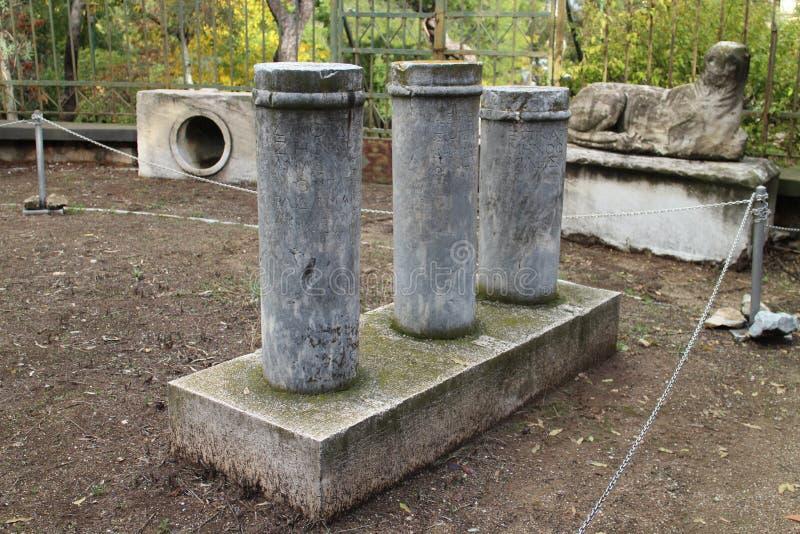 Manufatti pietrosi in agora antico di Atene fotografia stock libera da diritti