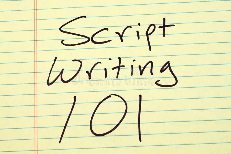 Manuscript die 101 op een Geel Wettelijk Stootkussen schrijven stock foto