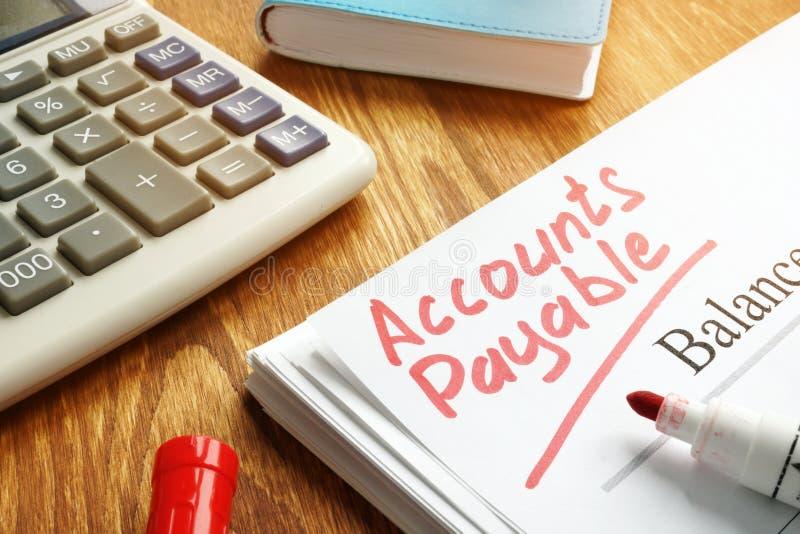 Manuscrit de comptes à payer sur le bilan photos stock