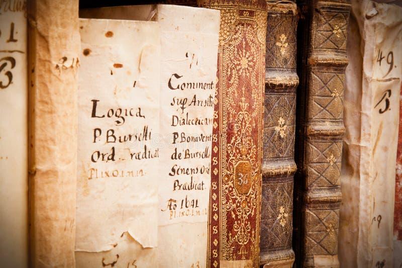 Manuscritos no latino fotos de stock royalty free
