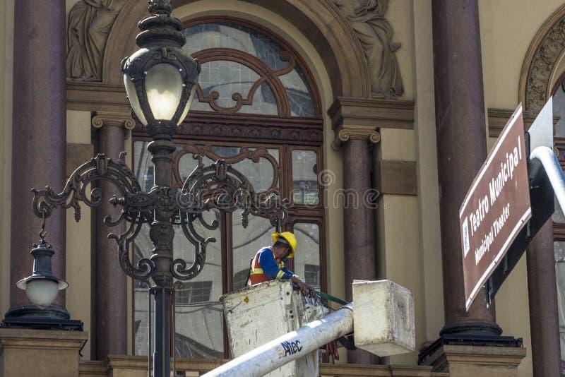Manutenção da luz de rua imagem de stock