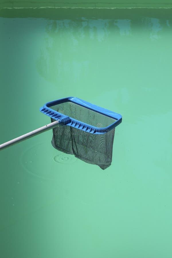 Manutenção da piscina imagens de stock royalty free