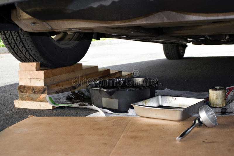 Manutenzione e riparazioni dell'automobile immagine stock libera da diritti