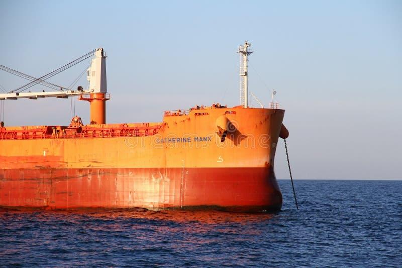 Manx Катрина судно-сухогруза поставленное на якорь близко к порту Algeciras стоковые изображения