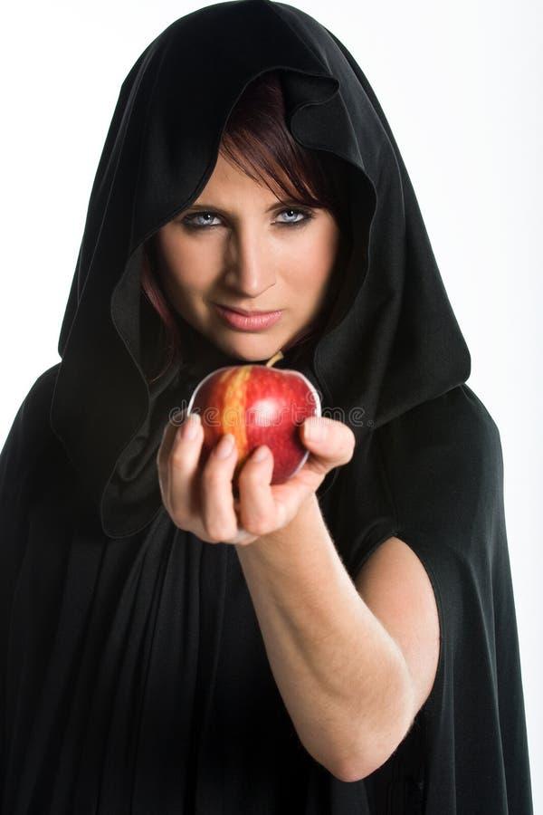 Manzana hermosa de la explotación agrícola de la mujer imagen de archivo