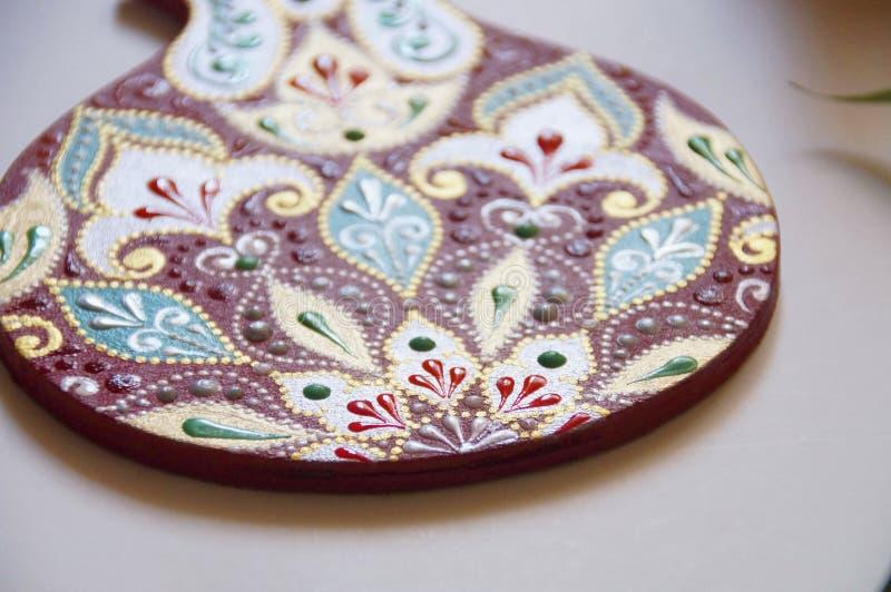 manzana pintada a mano con intrincado patrón ornamental foto de archivo libre de regalías