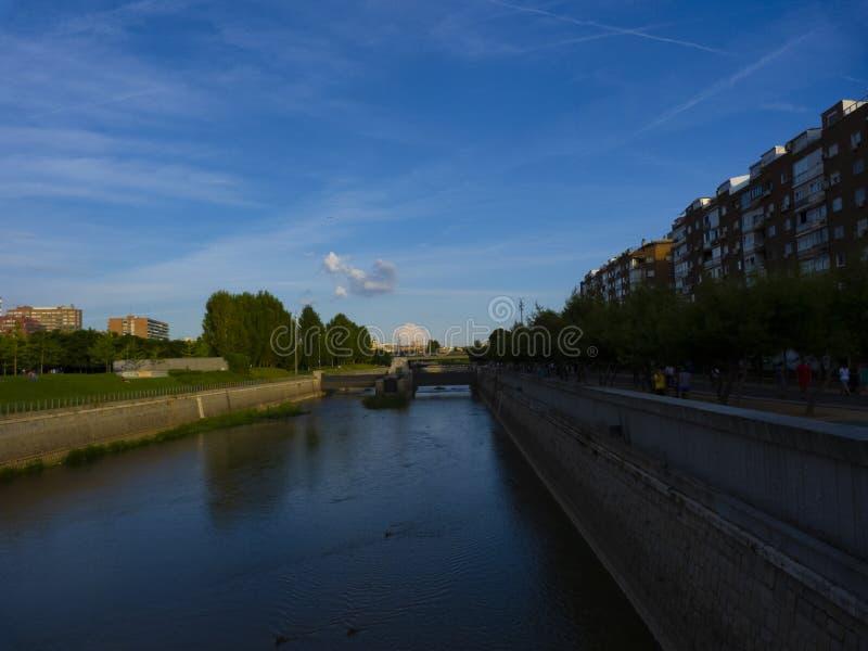 Manzanares flod i Madrid royaltyfri foto