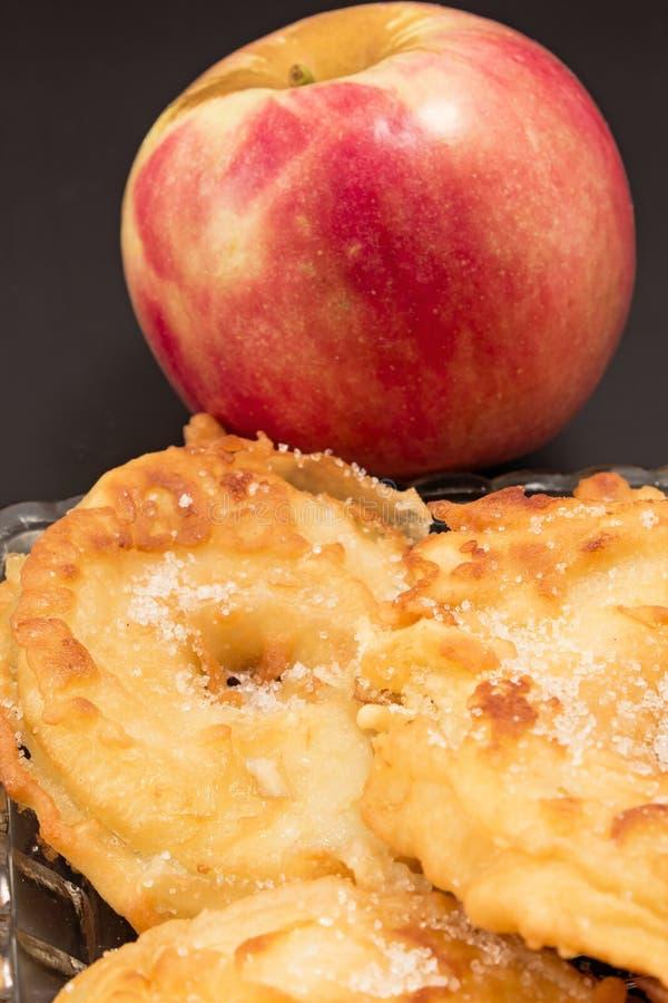 Manzanas fritas foto de archivo