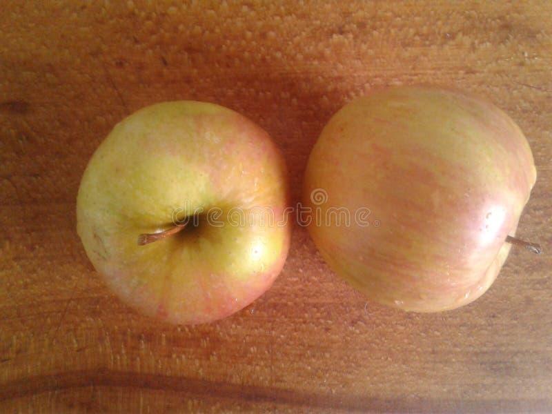 Manzanas redondas foto de archivo