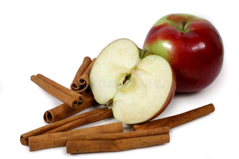 Manzanas y cinamomo de Mcintosh imagen de archivo libre de regalías