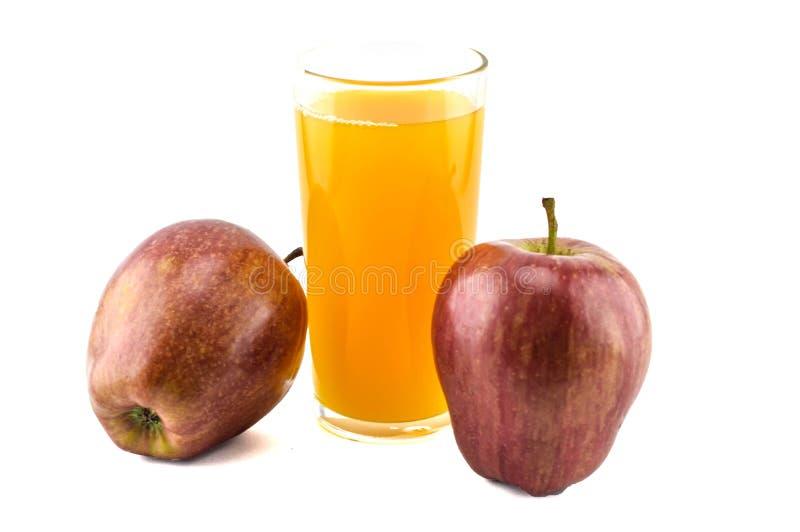 Manzanas y zumo de manzana imagen de archivo libre de regalías