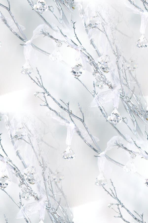 Manzanita-Niederlassungen, Kristalle, bloßer Organza lizenzfreies stockbild