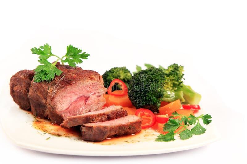Manzo e verdure di arrosto intagliati immagini stock libere da diritti