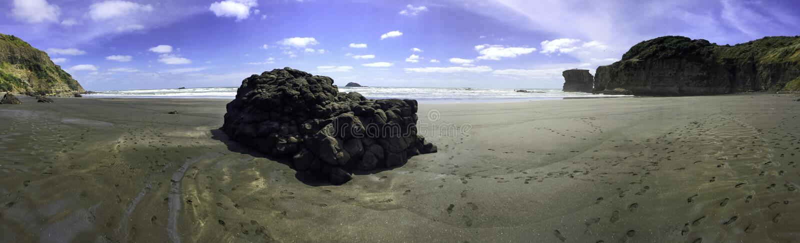 Maori πανόραμα παραλιών κόλπων Muriwai στοκ εικόνες