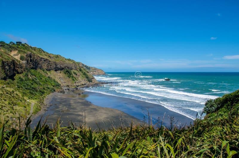 Maori Bay nel parco regionale di Muriwai, Nuova Zelanda immagine stock libera da diritti
