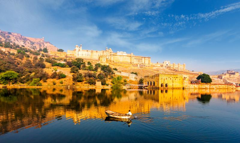 Maotameer en Amber Fort in Jaipur, Rajasthan, India royalty-vrije stock foto's