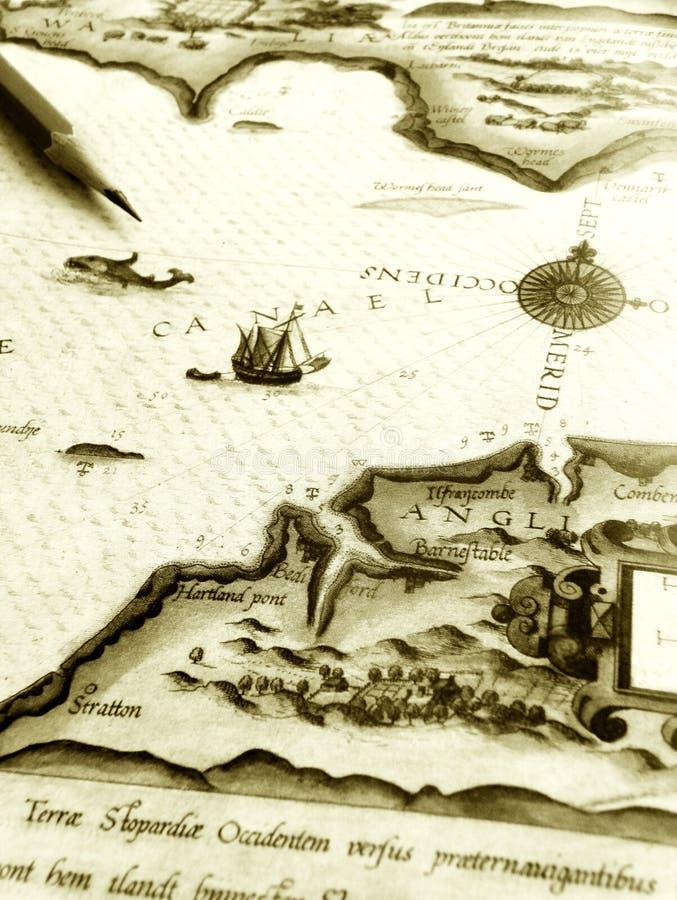 Mapa antigo do mar com lápis fotos de stock royalty free