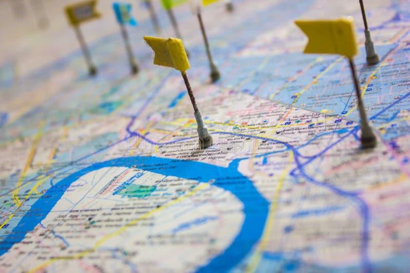 Mapa com pinos fotos de stock
