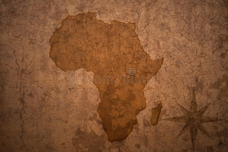 Mapa de África en el papel de la grieta del vintage foto de archivo