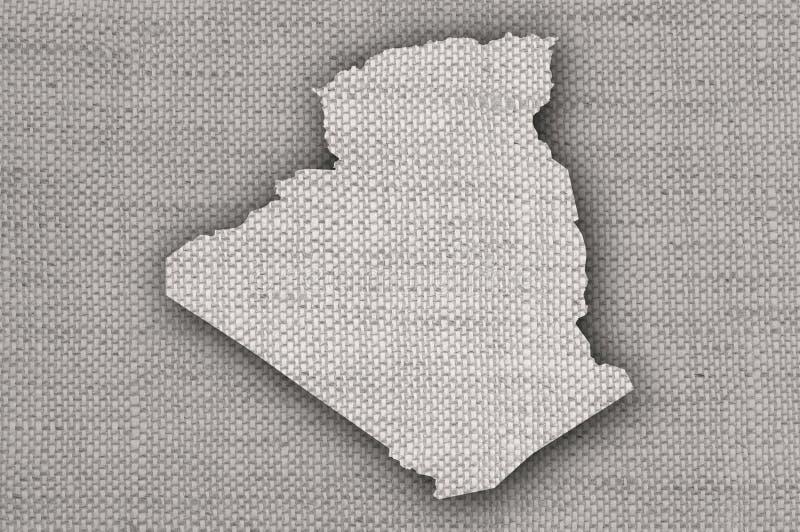 Mapa de Argélia no linho velho ilustração royalty free