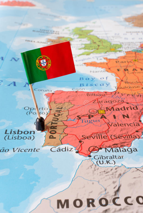 Mapa de Portugal e bandeira, conceito do curso imagem de stock royalty free