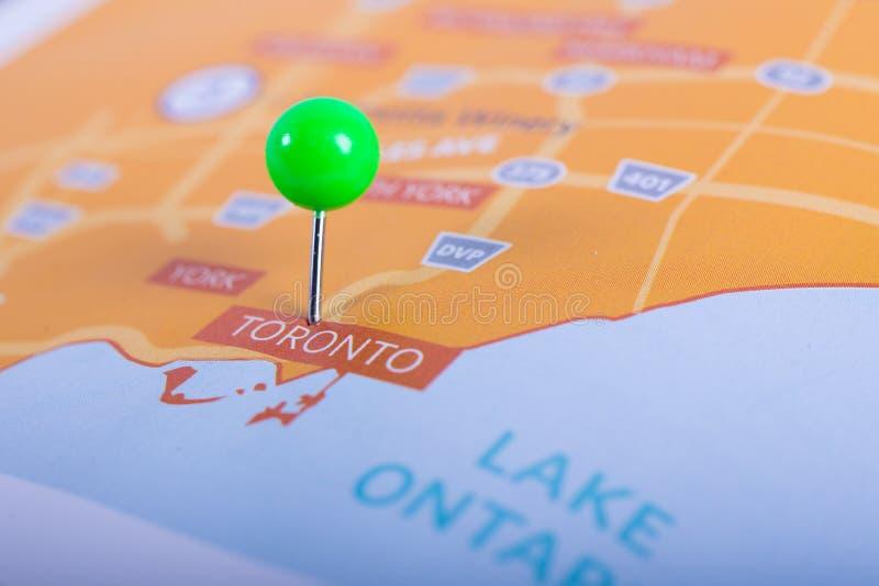 Mapa de Toronto con el perno fotos de archivo libres de regalías