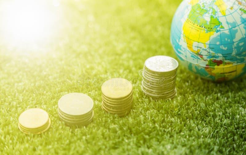 Mapa do mundo e dinheiro foto de stock
