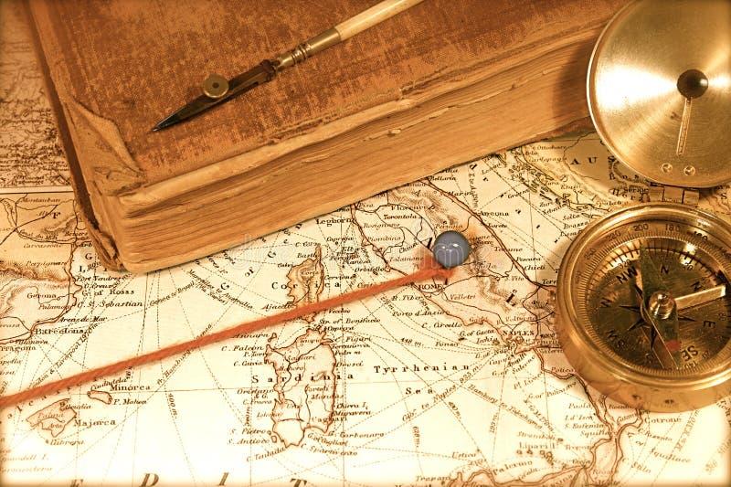 Mapa e carta do vintage imagens de stock