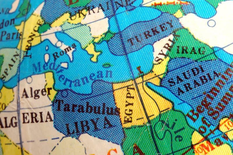 Mapa mediterrâneo no globo terrestre pequeno imagens de stock royalty free