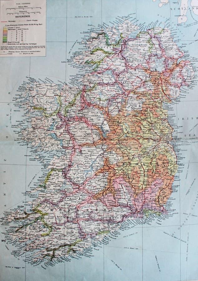 Mapa viejo 1945 del sistema ferroviario político y principal de Irlanda ilustración del vector