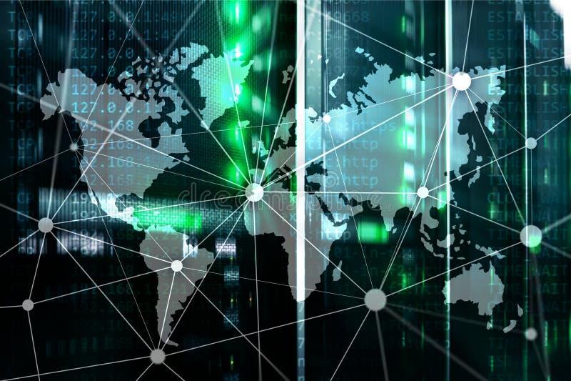 Mappa di mondo con la rete di comunicazione sul fondo della stanza del server immagini stock libere da diritti