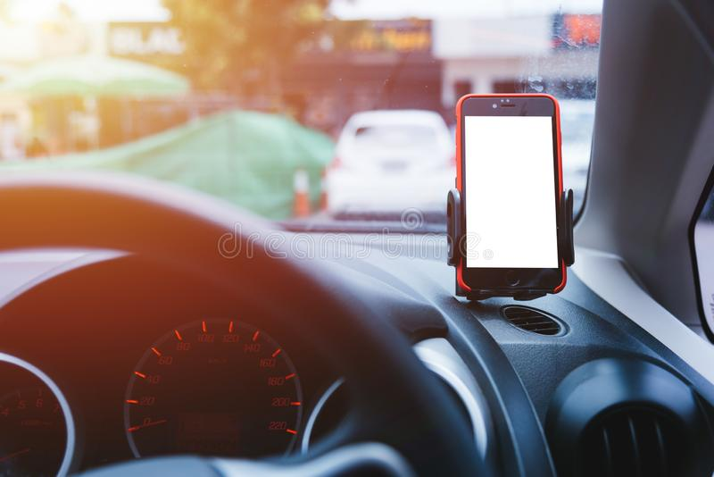 Mappa di navigazione dei gps del telefono cellulare dell'automobile del supporto immagini stock