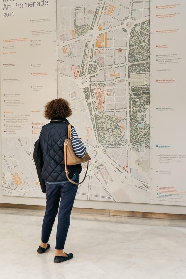 Mappa di sorveglianza della città della donna in Centro Cibeles nel nuovo comune o immagine stock