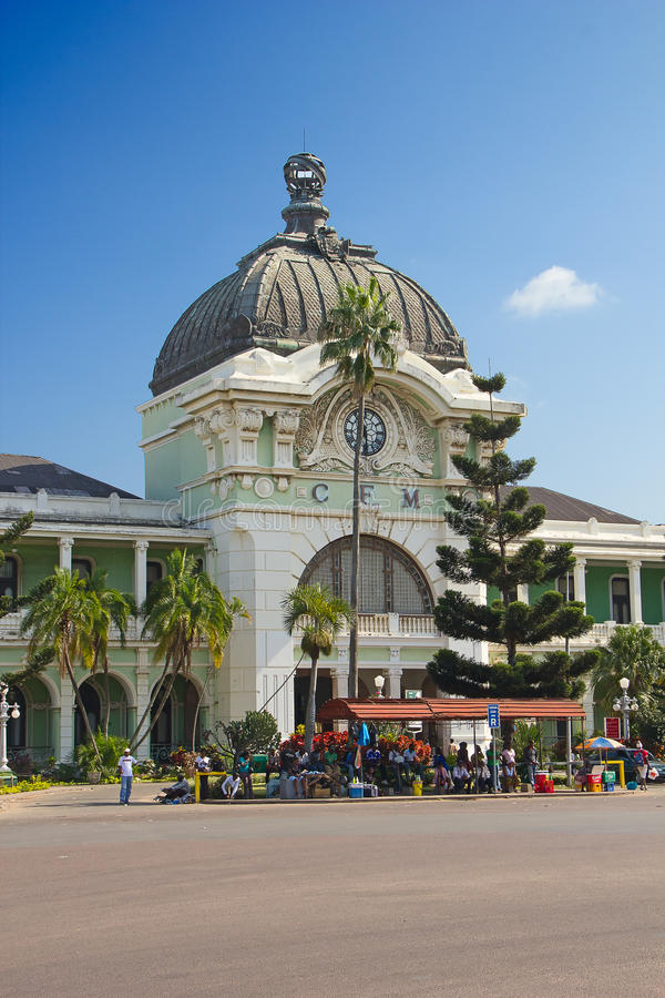 Maputo-Bahnstation lizenzfreie stockfotografie