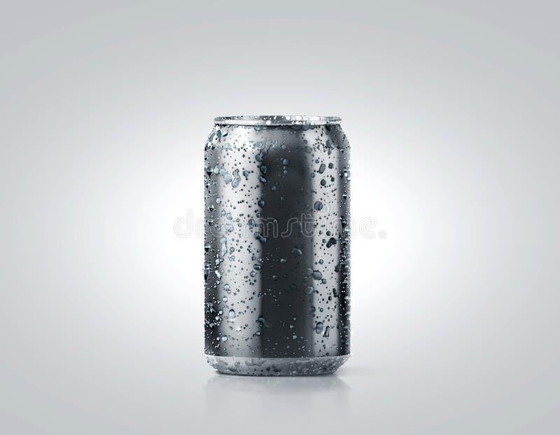 Maqueta de aluminio fría negra en blanco de la poder de soda con descensos fotos de archivo libres de regalías