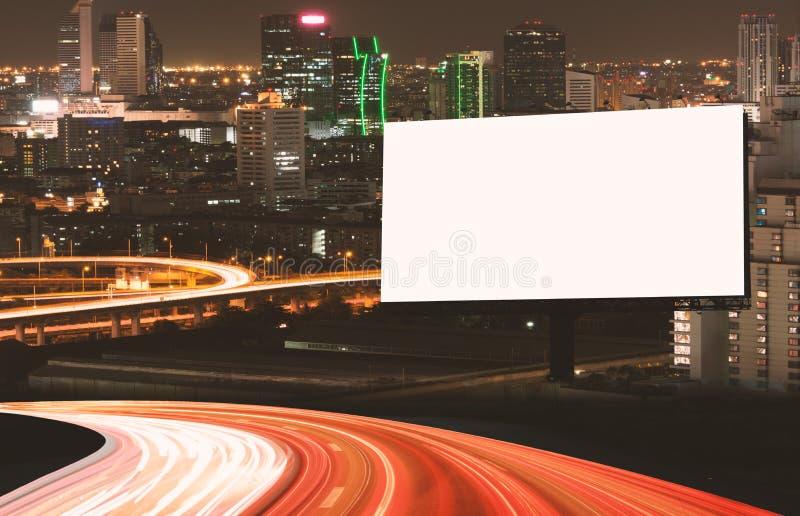 Maqueta de la cartelera al aire libre imagenes de archivo