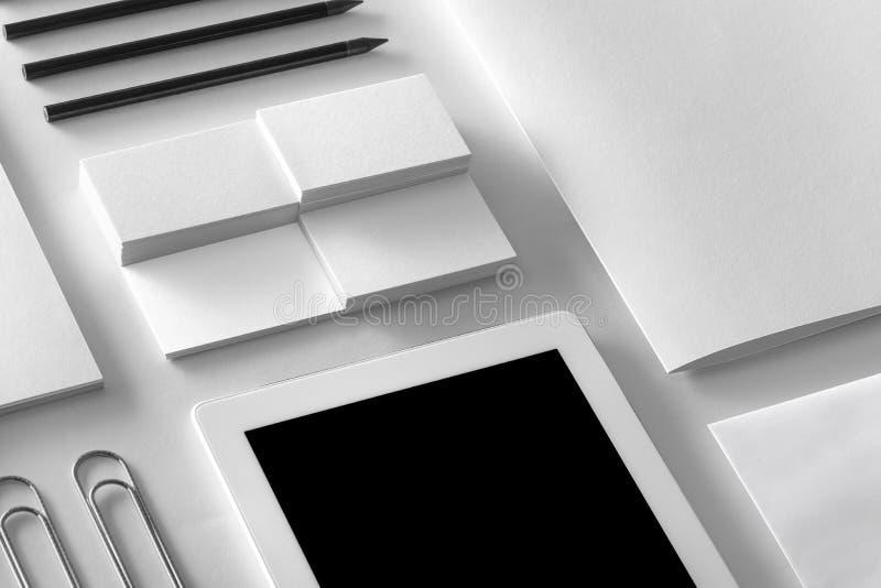 Maqueta de la identidad de marca Sistema corporativo en blanco de los efectos de escritorio fotos de archivo libres de regalías